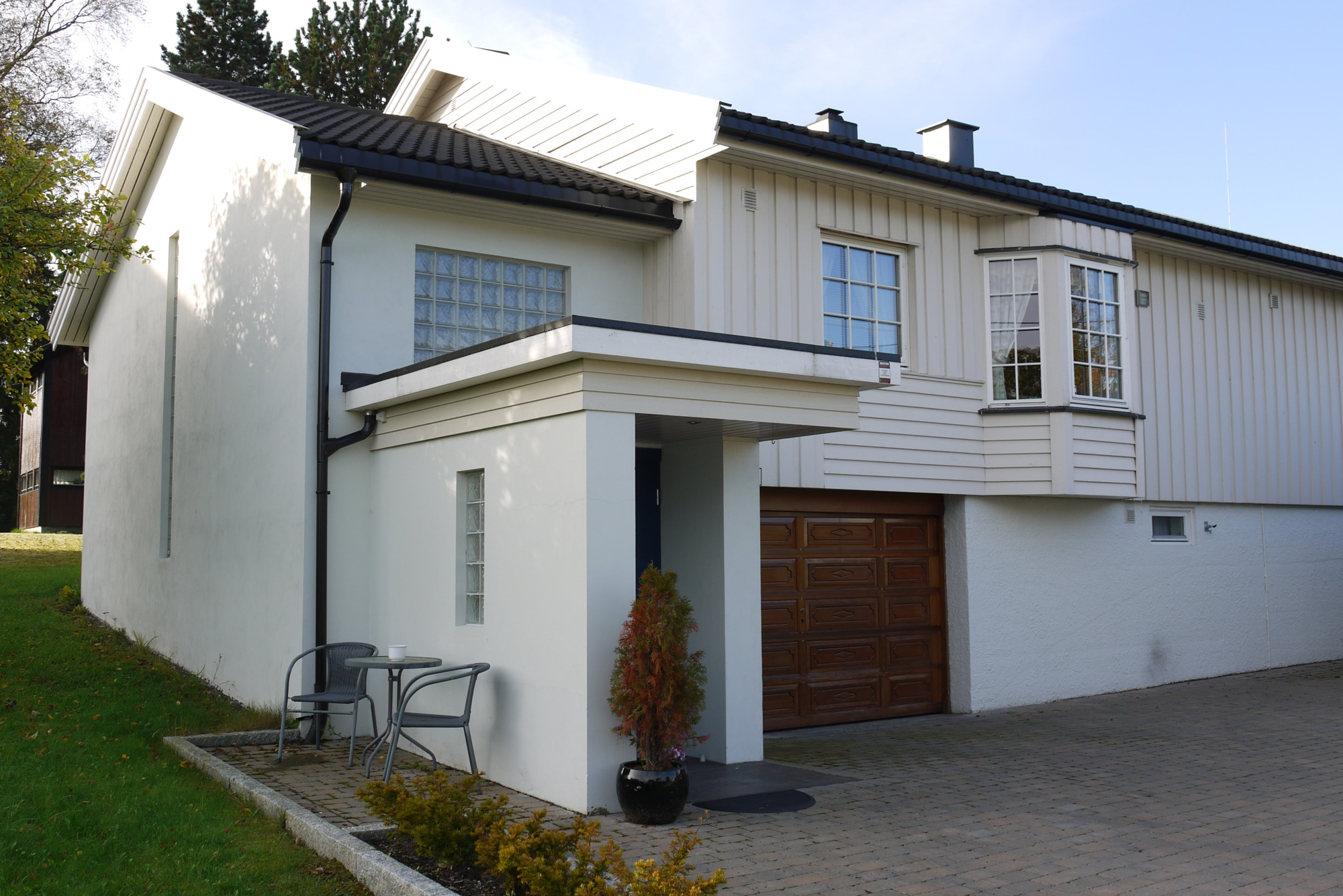 27 Tilbygg til bolig med nytt inngangsparti og garasje 02